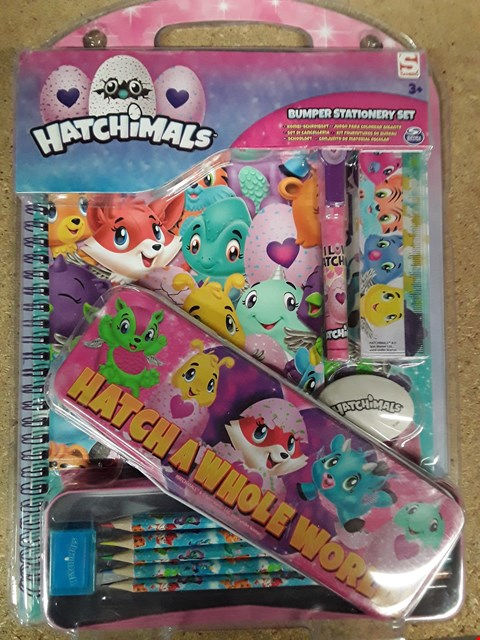 Lot 1776 LOT OF 3 ITEMS TO INCLUDE HATCHIMALS BUMPER STATIONARY SET, TALKING TWIN DOLLS AND CHESSMAN ELITE