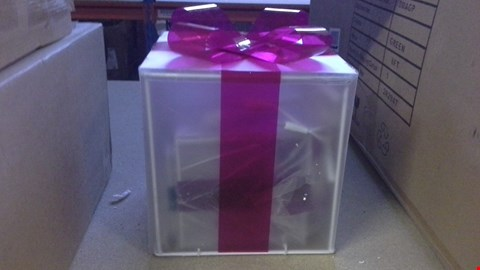 Lot 341 SET OF 3 LASER EFFECT GIFT BOXES  RRP £50.00