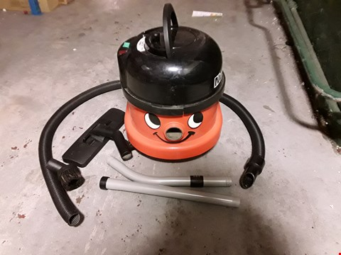 Lot 326 NUMATIC INTERNATIONAL HENRY HOOVER HVR200