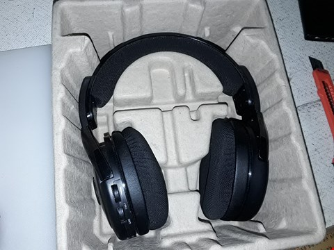 Lot 4028 XBOX WIRELESS HEADSET AG9