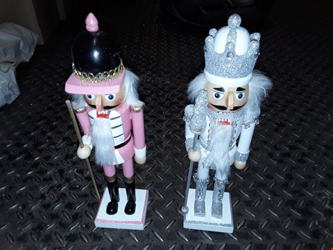 Lot 6191 SET OF 2 NUTCRACKER ROOM DECORATIONS