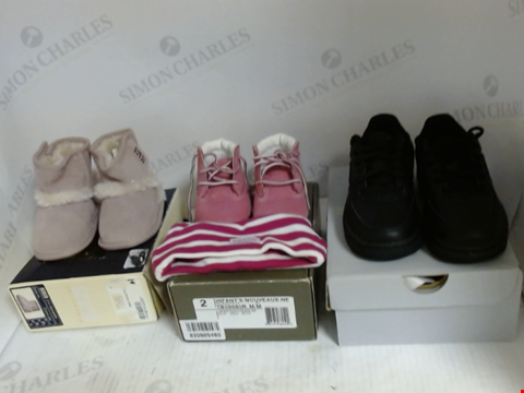 Lot 16062 BOX OF APPROXIMATELY 8 ASSORTED PAIRS OF BABY SHOES TO INCLUDE SC&CO, TIMBERLAND, NIKE ETC.