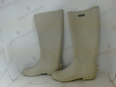 Lot 16057 PAIR OF DESIGNER BURBERRY WELLINGTON BOOTS