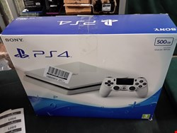 Lot 43 PS4 500GB  WHITE SLIM CONSOLE RRP £430