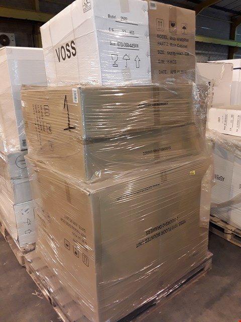 Lot 11 PALLET OF ASSORTED BOXED BATHROOM ITEMS TO INCLUDE VOSS 1010 FLOOR MOUNTED UNIT, MURCIA 60 WALL MOUNTED VANITY DRAWER UNIT
