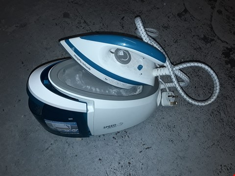 Lot 1979 MORPHY RICHARDS SPEED STEAM IRON