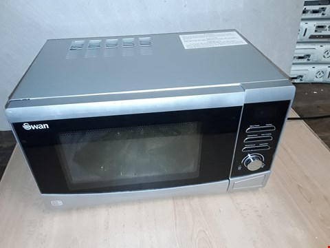 Lot 8102 UNBOXED SWAN DIGITAL MICROWAVE SM22110S RRP £110.00