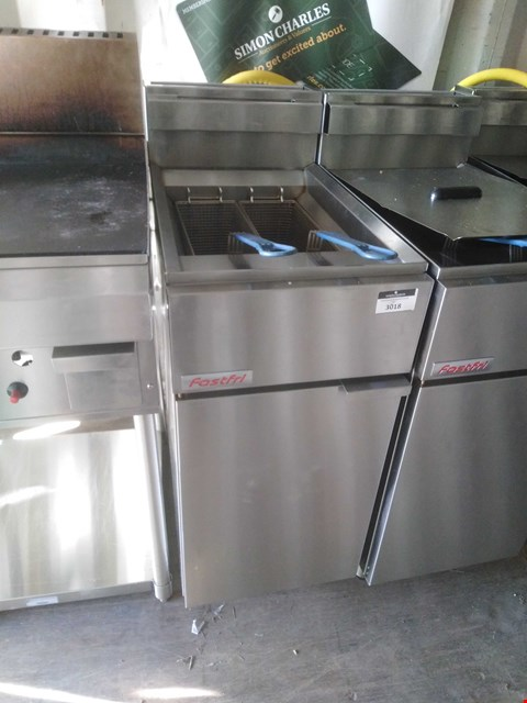Lot 3018 FAST FRI FF18 DEEP FAT FRYER