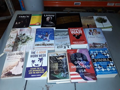 Lot 8190 CAGE OF A LARGE QUANTITY OF ASSORTED BOOKS TO INCLUDE THE LOOKING-GLASS WAR BY JOHN LE CARRÉ, A TALE OF THREE CITIES ISTANBUL BY BETTANY HUGHES, THE CHRISTMASAURUS BY TOM FLETCHER ETC