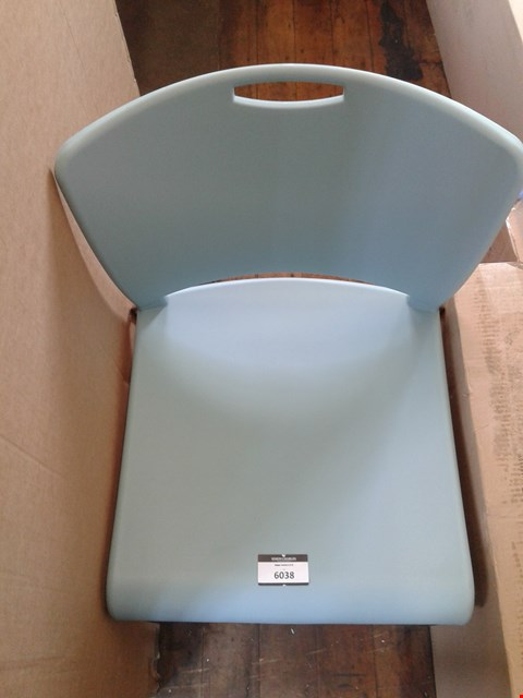 Lot 10110 PLASTIC BLUE OFFICE CHAIR