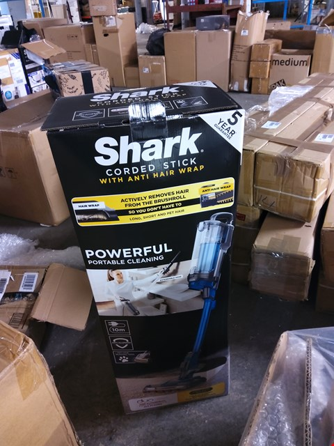 Lot 541 SHARK HZ400UKT CORDED