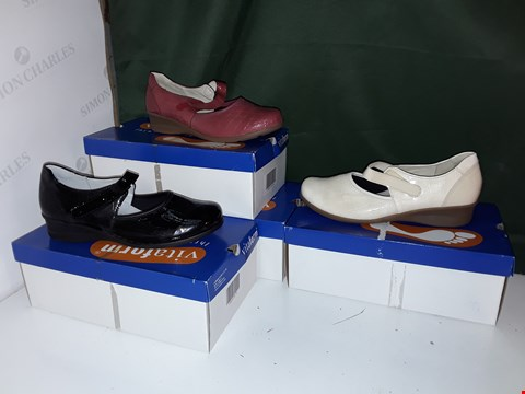 Lot 1062 LOT OF 4 PAIRS OF ASSORTED COLOUR VITAFORM SHOES
