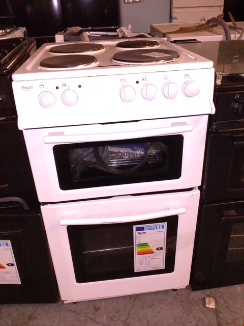 Lot 32 SWAN SX2011W WHITE 50CM TWIN CAVITY ELECTRIC COOKER  RRP £329.99