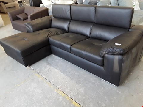 Lot 3 DESIGNER BLACK LEATHER ITALIAN STYLE CHAISE SOFA WITH ADJUSTABLE HEADRESTS