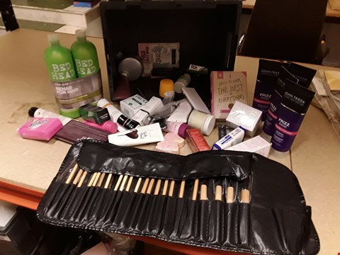 Lot 9008 TRAY OF APPROXIMATELY 40 ITEMS OF ASSORTED BEAUTY PRODUCTS, INCLUDING, BED HEAD SHAMPOO, FRIZZ EASE, BRUSH SET, NIVEA SUN CREAM, (TRAY NOT INCLUDED)