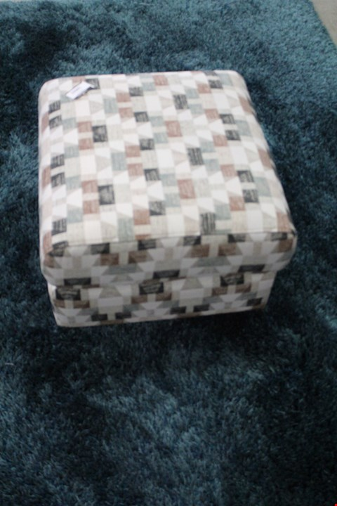 Lot 10022 QUALITY BRITISH MADE, HARDWOOD FRAMED GEOMETRIC PATTERNED FOOTSTOOL