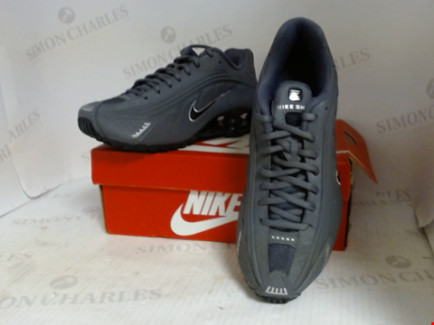 Lot 16066 BOXED PAIR OF DESIGNER NIKE TRAINERS - UK SIZE 6