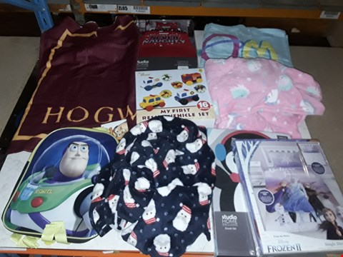 Lot 3086 4 BOXES OF ASSORTED CLOTHING AND HOMEWARES TO INCLUDE CHILDRENS DRESSING GOWNS, HARRY POTTER TOWEL, FROZEN BEDDING, CAR TOYS