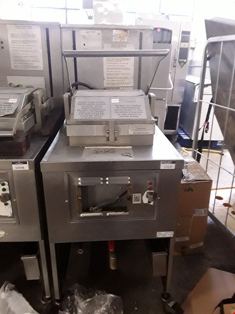 Lot 13507 COMMERCIAL STAINLESS STEEL HENNY PENNY FRYER