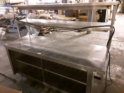 Lot 10054 ELECTRIC HEATED SERVERY COUNTER WITH 2 TIER GANTRY