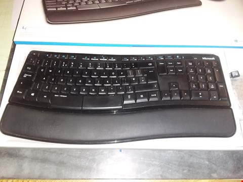 Lot 1828 MICROSOFT SCULPT COMFORT DESKTOP KEYBOARD AND MOUSE SET, UK LAYOUT - BLACK