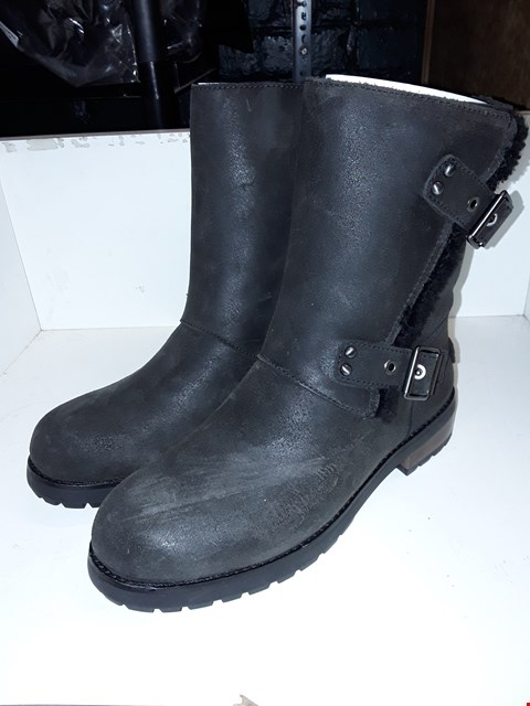 Lot 1003 A PAIR OF UGG NIELS FREY BUCKLE ANKLE BOOTS UK SIZE 7