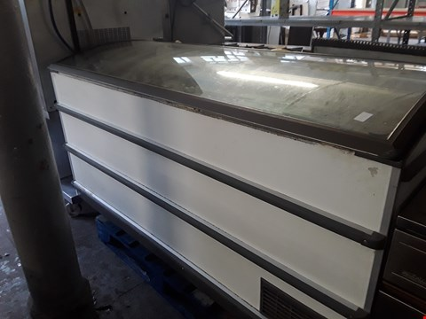 Lot 13538 COMMERCIAL GLASS TOP CHEST FREEZER