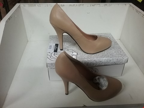 Lot 1062 BOXED BRAND NEW ALWAYS BEIGE STILETTO COURT SHOES SIZE 39