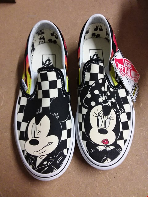 Lot 877 VANS DISNEY MICKEY MINNIE CHECK SLIP ON TRAINERS SIZE 3