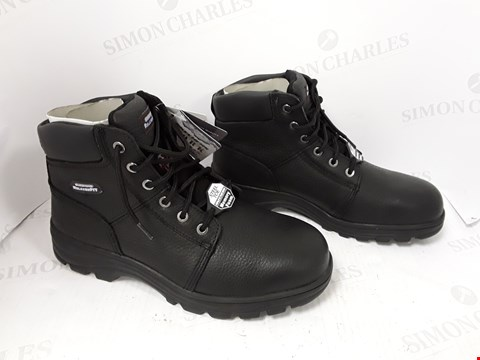 Lot 794 BOXED PAIR OF SKETCHERS BLACK SAFETY BOOTS SIZE 10
