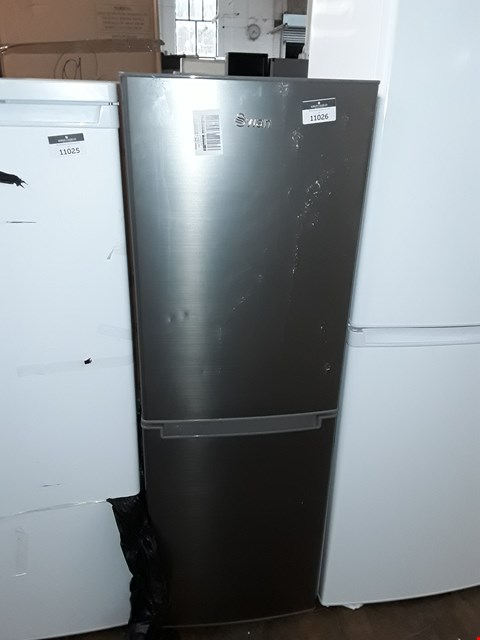 Lot 11026 SWAN R8180S 143CM 50/50 FRIDGE FREEZER IN SILVER
