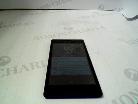 Lot 793 SONY XPERIA ANDROID SMARTPHONE