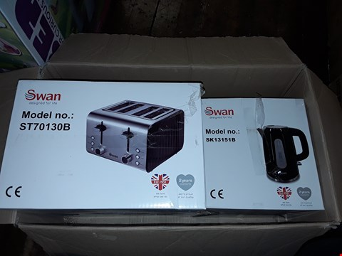 Lot 1118 SWAN KETTLE AND 4 SLICE TOASTER PACK RRP £69.99