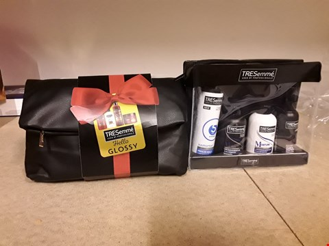 Lot 2016 LOT OF 2 ITEMS TO INCLUDE TRESEMME HELLO GLOSSY GIFT SET AND TRESEMME EXPERTS ON THE GO TRAVEL SET