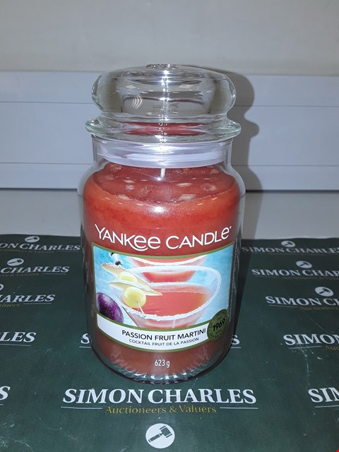 Lot 9137 LARGE YANKEE CANDLE - PASSION FRUIT MARTINI RRP £20.00