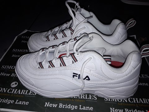 Lot 9035 FILA DESIGNER TRAINERS IN WHITE & RED UK SIZE 7
