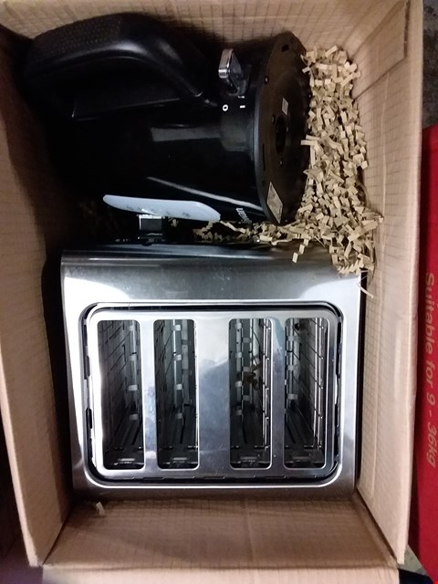 Lot 5104 GRADE 1 SWAN KETTLE AND 4 SLICE TOASTER PACK RRP £69.99