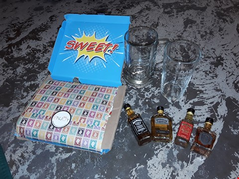 Lot 10675 A LOT OF 4 ASSORTED GIFT ITEMS TO INCLUDE 2 PERSONALISED GLASS, 4 PIECE JSCK DANIELS SET AND SWEET  RRP £78.00