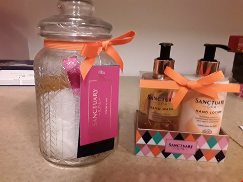 Lot 2023 LOT OF 2 ITEMS TO INCLUDE SANCTUARY SPA SPA IN A JAR AND SANCTUARY SPA HAND WASH & HAND LOTION SET