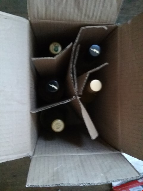 Lot 2424 BOX OF 5 BOTTLES OF WHITE WINE