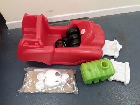 Lot 9411 LITTLE TIKES SPRAY AND RESCUE FIRE TRUCK  RRP £89.99