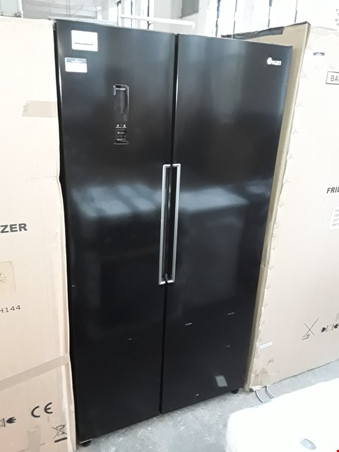 Lot 11034 SWAN SR15640B TOTAL NO FROST 90CM AMERICAN STYLE FRIDGE FREEZER - BLACK