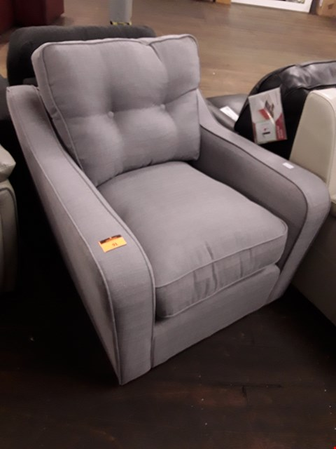 Lot 91 DESIGNER GREY FABRIC VINTAGE STYLE EASY CHAIR WITH BUTTONED BACK CUSHION  RRP £229