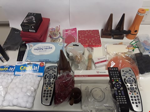 Lot 6527 BOX OF APPROXIMATELY 56 ASSORTED ITEMS TO INCLUDE REMOTE CONTROLS, CRAFT ITEMS, DOOR ALARMS ETC