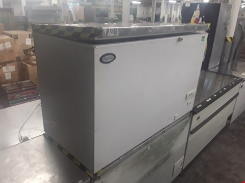 Lot 76 FOSTER LARGE WHITE CHEST FREEZER