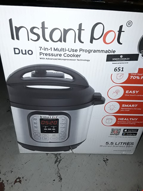 Lot 651 INSTANT POT 7 IN 1 PRESSURE COOKER