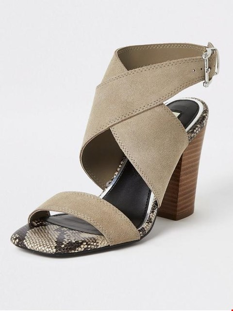 Lot 3145 BOXED BRAND NEW RIVER ISLAND SUEDE CROSS STRAP GREY SANDALS - SIZE 7 UK
