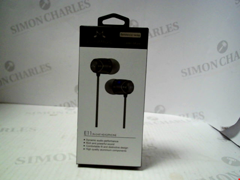 Lot 5754 SOUNDMAGIC E11 IN EAR HEADPHONES