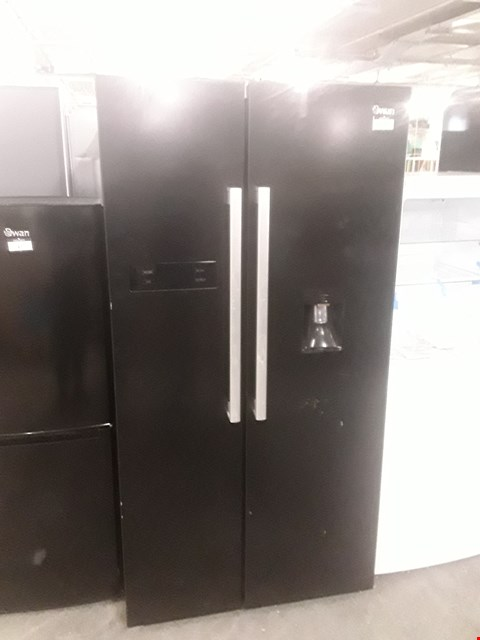 Lot 16 SWAN SR70110B BLACK AMERICAN STYLE FRIDGE FREEZER WITH WATER DISPENSER  RRP £899