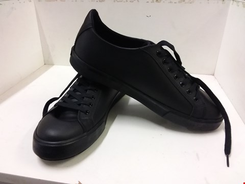 Lot 9032 BOXED KICKERS TOVNI LACER LEATHER TRAINERS - BLACK SIZE 9